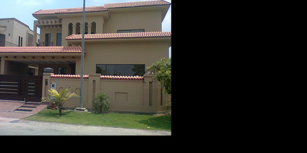 Small Building 240 Sq Yard Available On Rent In Lalazar