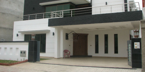 HOUSE FOR SALE IN PIA CO OPERATIVE SOCIETY BLOCK 9