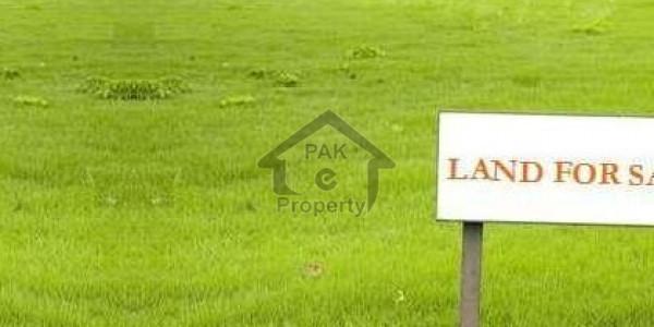 100 yards residential plot for sale on Iqbal lane 9