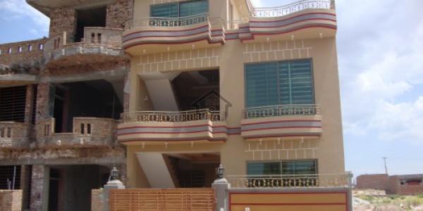 Raja Park-    6 Marla-     House For Sale.