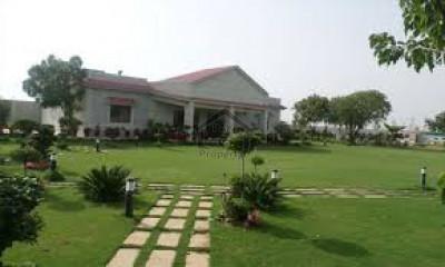 Scheme 45- Nice Approach VIP Farm House 2200 Yards IN Karachi