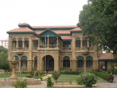 North Karachi-2500 Yard Amenity Building For School On Sale In North Karachi