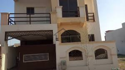 Hayatabad Phase 1 - E3,10 Marla Corner House Is Available For Sale