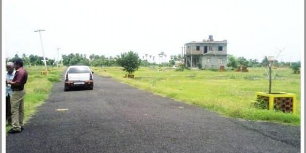 Bahria Town Phase 7,- 1 Kanal - Corner Plot for sale.