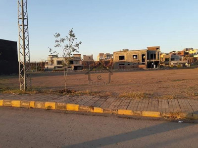 Premium Location 10 Marla Pair Plots Available In Bahria Town Phase 8 Sector F1