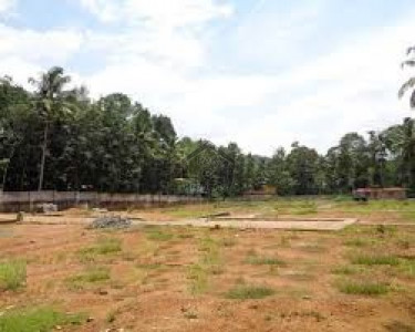 E-11/2, - 16 Marla  - Plot Is Available For Sale At Good Location