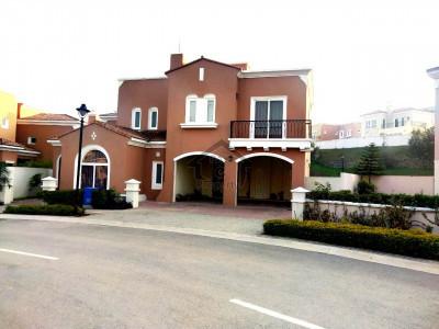 Beautiful 5 Bedrooms + Maid's Room Villa at DHA-5 , Islamabad
