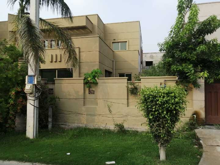 1 kanal house available for rent Askari XI lahore