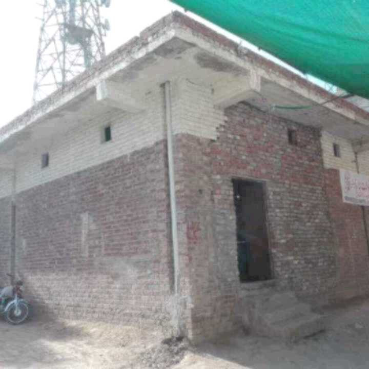Corner Commercial Hall 10 Marla for sale