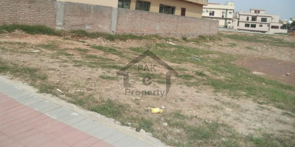 Land for Farm House Available For Sale in P & V Murree Road Scheme